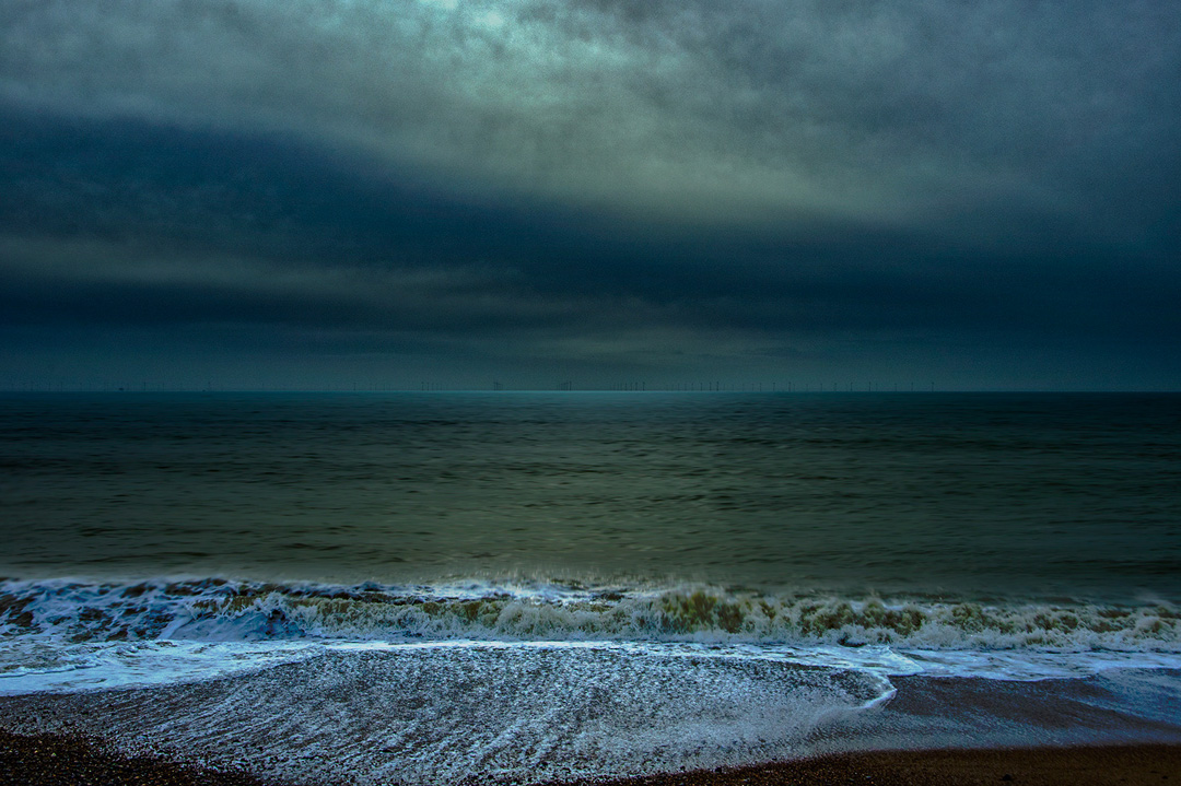 sea ebb at night